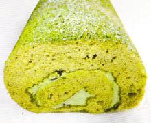 ロールケーキ 使用原料:抹茶